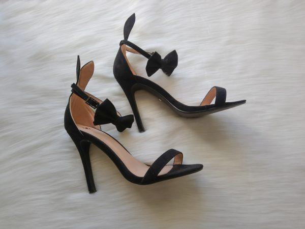 Czarne sandałki króliczki Playboya